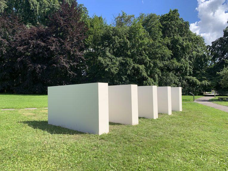 Olivier Mosset @ Sculpture garden, GenevaCimaises