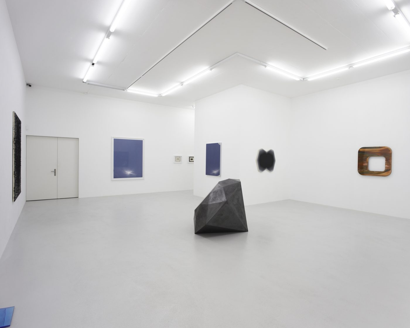 Galerie Lange + Pult – Monochrome