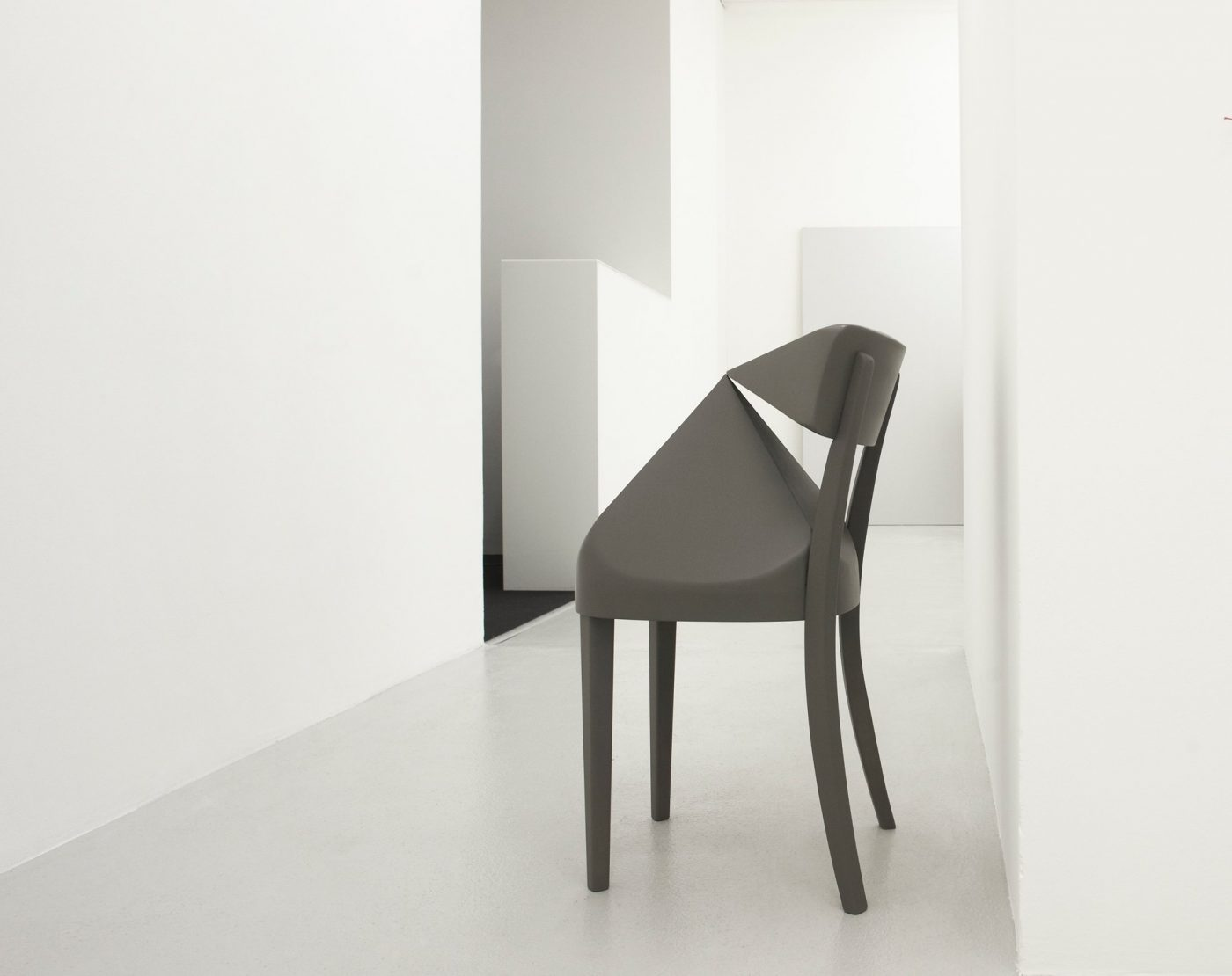 Galerie Lange + Pult – WALL TABLE CHAIR