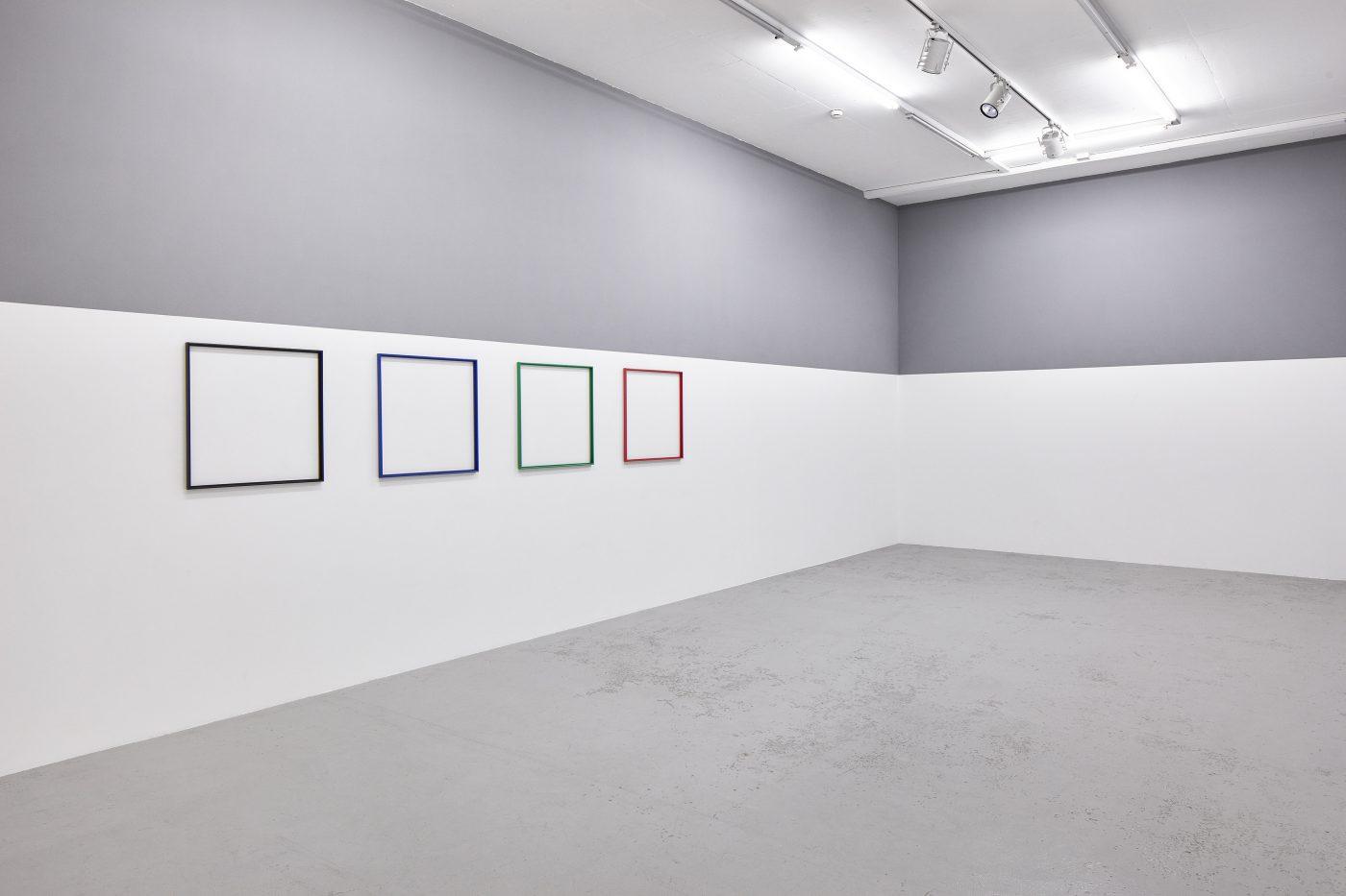 Galerie Lange + Pult – Olivier Mosset / Jacob Kassay